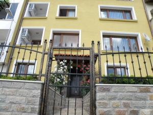 Apartments Kaloyan, Apartments  Veliko Tŭrnovo - big - 1