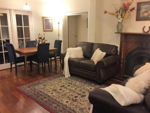 Perth Stadium Lodge, Homestays  Perth - big - 43
