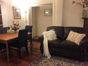 Perth Stadium Lodge, Homestays  Perth - big - 40