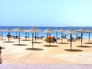 Palm Beach Piazza, Apartments  Hurghada - big - 12