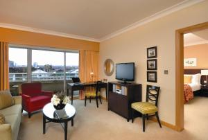 River Twin Suite