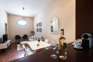 San Isidoro cozy apartment by Hommyhome