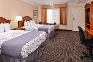 Queen Room with Two Queen Beds - Disability Access - Non-Smoking