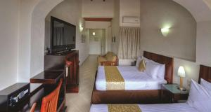Double Suite with Two Double Beds - Smoking