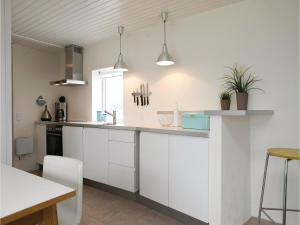 Two-Bedroom Holiday Home in Pandrup, Nyaralók  Rødhus - big - 16