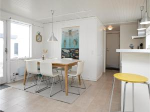 Two-Bedroom Holiday Home in Pandrup, Nyaralók  Rødhus - big - 13