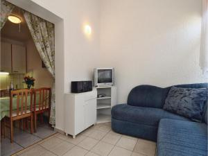 Two-Bedroom Apartment 0 in Porec, Apartmanok  Poreč - big - 9