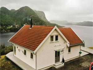Four-Bedroom Holiday Home in Farsund, Holiday homes  Farsund - big - 12