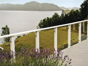 Four-Bedroom Holiday Home in Farsund, Holiday homes  Farsund - big - 14
