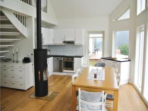 Four-Bedroom Holiday Home in Farsund, Holiday homes  Farsund - big - 16