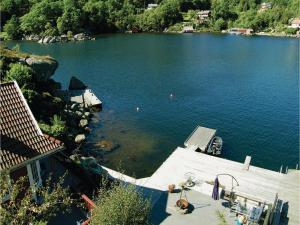 Four-Bedroom Holiday Home in Farsund, Nyaralók  Farsund - big - 12