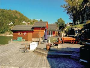 Four-Bedroom Holiday Home in Farsund, Nyaralók  Farsund - big - 11
