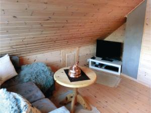 Four-Bedroom Holiday Home in Farsund, Ferienhäuser  Farsund - big - 8