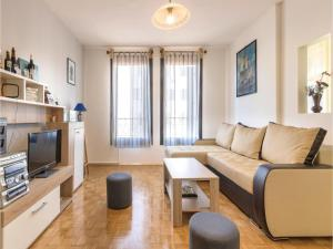 One-Bedroom Apartment in Veruda, Apartmány  Veruda - big - 1