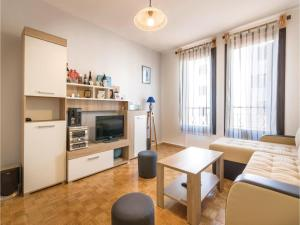 One-Bedroom Apartment in Veruda, Apartmány  Veruda - big - 9