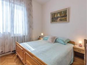 Two-Bedroom Apartment in Pula, Ferienwohnungen  Pula - big - 11