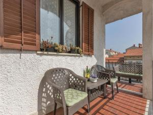 Two-Bedroom Apartment in Pula, Ferienwohnungen  Pula - big - 13