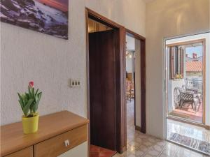 Two-Bedroom Apartment in Pula, Ferienwohnungen  Pula - big - 7