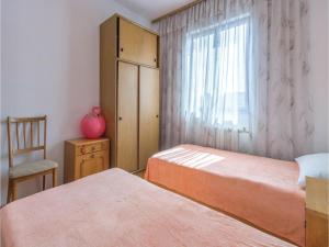Two-Bedroom Apartment in Pula, Ferienwohnungen  Pula - big - 4