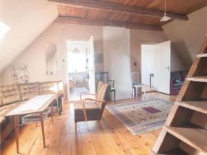 Four-Bedroom Apartment in Hemse, Appartamenti  Hemse - big - 16
