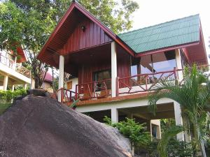 Amstardam Bar & Stone Hill Resort