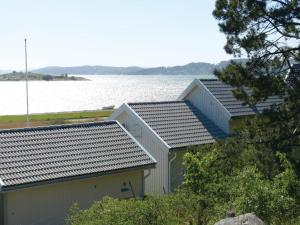 Three-Bedroom Holiday home Store Höga with Sea View 07, Case vacanze  Stenungsund - big - 12