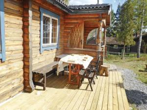 Two-Bedroom Holiday home with Sea View in Sparreholm, Nyaralók  Sparreholm - big - 9