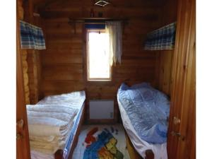 Two-Bedroom Holiday home with Sea View in Sparreholm, Дома для отпуска  Sparreholm - big - 5