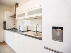 Two-Bedroom Apartment in Sv.Filip i Jakov, Appartamenti  Sveti Filip i Jakov - big - 24