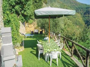 Three-Bedroom Holiday home Metato Camaiore LU with Sea View 02, Prázdninové domy  Casoli - big - 19