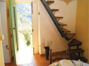 Three-Bedroom Holiday home Metato Camaiore LU with Sea View 02, Prázdninové domy  Casoli - big - 12
