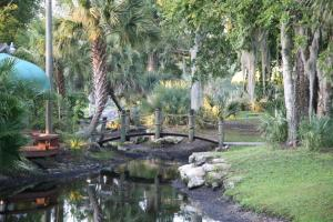 Tropical Palms Resort &amp; Campground