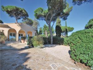 Two-Bedroom Holiday home Sainte Maxime 0 03, Nyaralók  Sainte-Maxime - big - 22