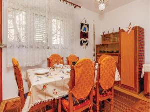 Two-Bedroom Apartment Senj 05, Appartamenti  Senj - big - 31