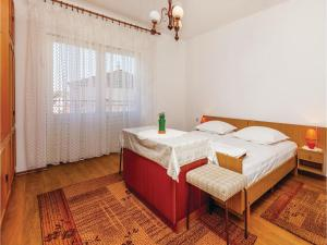 Two-Bedroom Apartment Senj 05, Appartamenti  Senj - big - 11