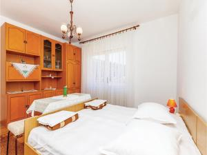 Two-Bedroom Apartment Senj 05, Appartamenti  Senj - big - 7