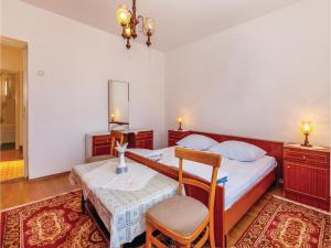 Two-Bedroom Apartment Senj 05, Appartamenti  Senj - big - 6