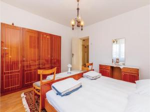 Two-Bedroom Apartment Senj 05, Appartamenti  Senj - big - 5
