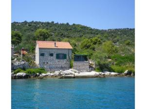 Two-Bedroom Holiday Home in Kornati, Dovolenkové domy  Pristanišće - big - 1