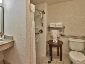 Twin Room - Disability Access with Roll-In Shower