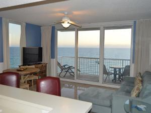 One-Bedroom Apartment with Sea View 1-1715