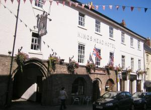 The Kings Head Hotel in Abergavenny, Monmouthshire, Wales