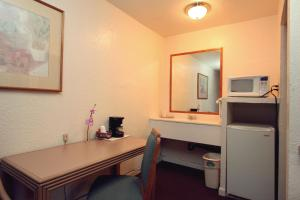 Express Inn - Vallejo, CA CA 94591 - Photo Album