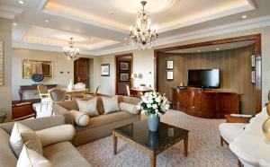 Clarence Suite with Lounge Access