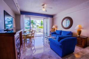 Junior Suite Deluxe with Ocean View (2 Adults + 1 Child)