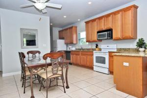 Second Wind Home, Nyaralók  Orange Beach - big - 5