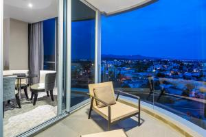 One-Bedroom King Suite with Terrace