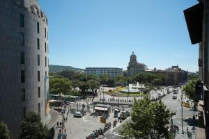 Five-Bedroom Apartment (8-10 Adults) - Ronda de Sant Pere