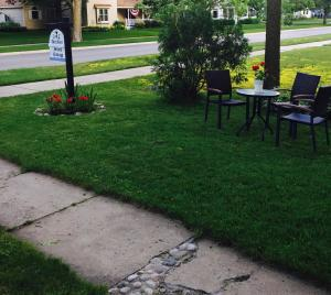 Aberdeen Stone Cottage B&B, Bed & Breakfasts  Traverse City - big - 26