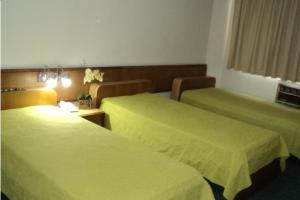 Standard Triple Room with Three Single Beds